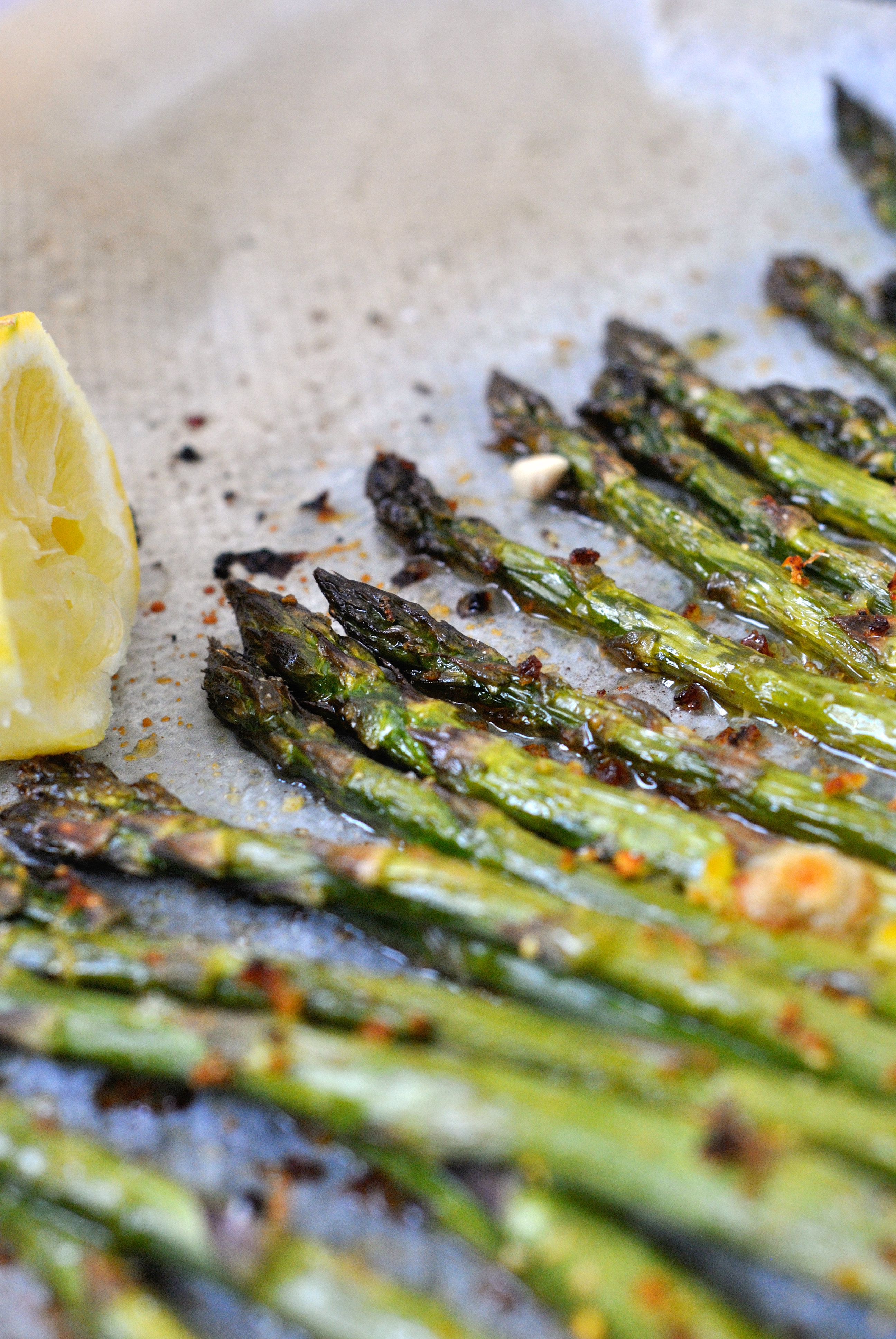 Asperges r ties au four citron parmesan the heart in the stomach - Recette asperges vertes chaudes ...